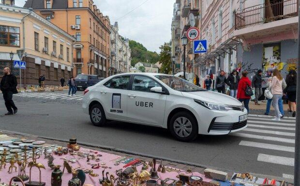 """Все службы такси хотят лицензировать: """"Сотни нелегальных…"""""""