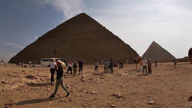 Археологи раскрыли способ общения фараона с подданными: какие тайны хранят пирамиды Египта