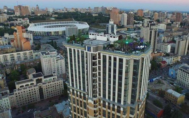 Киевский небоскреб таит смертельную опасность: названы причины