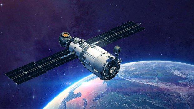 Супутників з лазерами