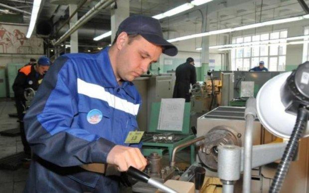 Робота в Україні: кого шукають і кому найбільше платять