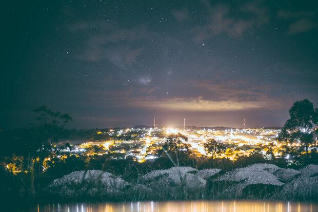 ночной город, фото Pxhere