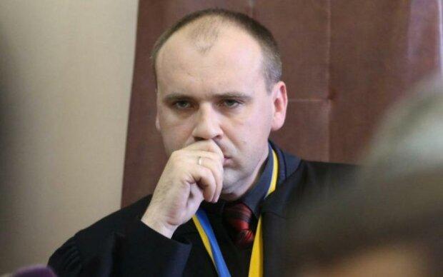Судья известный по делу Януковича и его соратников умер за рулем