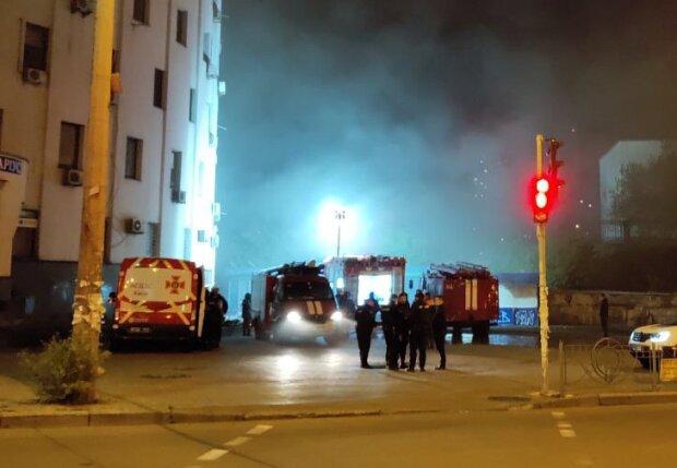 пожежа в Києві, джерело: ГУ ДСНС в Києві
