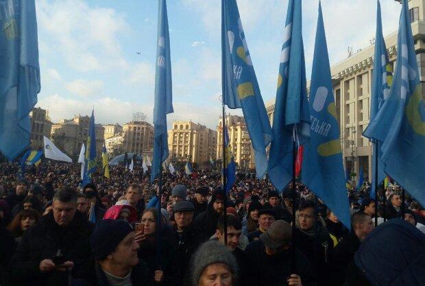 Масштабное восстание в центре Киева: тысячи людей требуют у Зеленского не допустить...