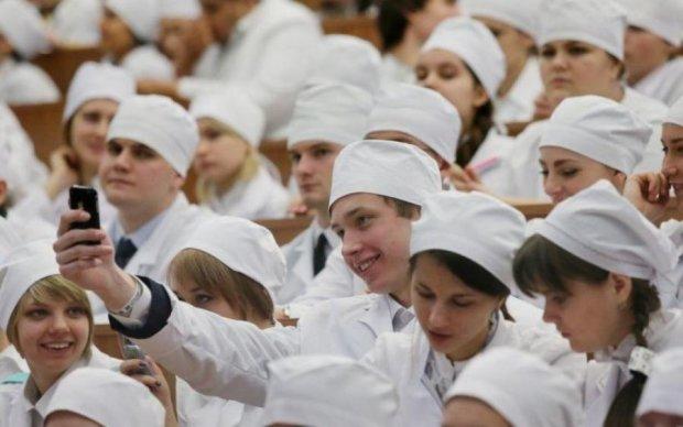 Студенти Богомольця отримали ректора. Вгадайте, хто