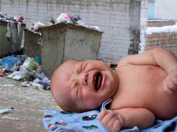 У Києві знайшли покинуте немовля