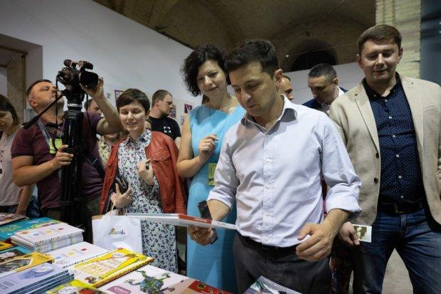 Зеленський пішов назустріч євробляхерам: що пообіцяв слуга народу водіям