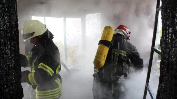 В Хмельницком газовая заправка вот-вот взлетит в воздух: люди закрывают окна и в панике разбегаются