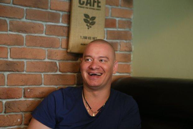 Кошовий з Кварталу 95 теплим знімком познайомив шанувальників з ріднею: шикарні зачіски