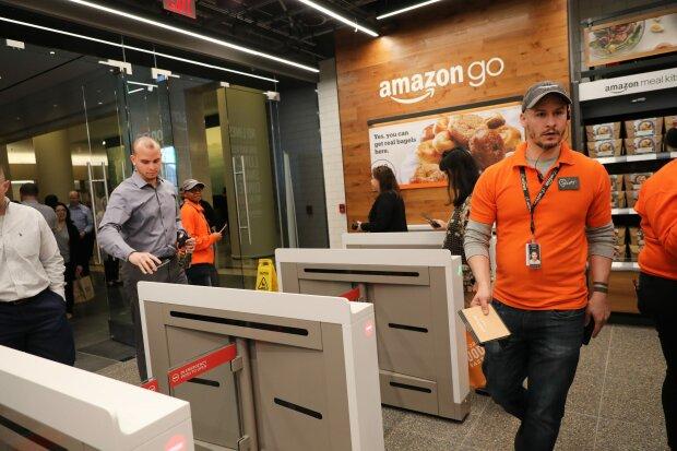 Легким порухом руки: Amazon розробляє технологію, завдяки якій можна буде  розраховуватися в магазинах долонею