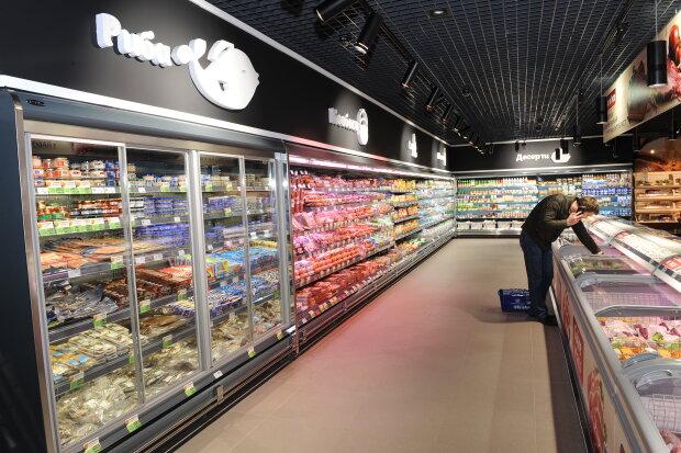 В супермаркете АТБ в объектив камеры попал усатый проказник: бедолага спасался бегством, видео