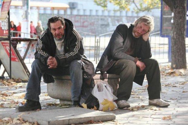 Львівські бомжі обкрадають людей на вокзалах