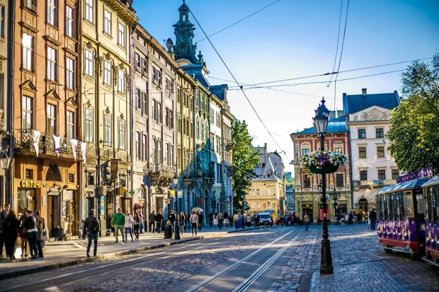 Погода в Львове на 25 июля: стихия заставит украинцев вымаливать жару, лето снова дает заднюю