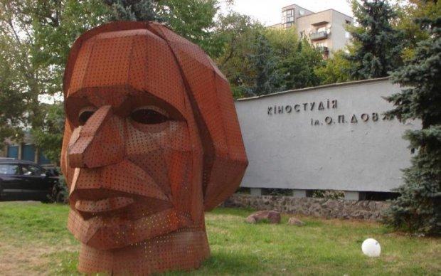 В Киеве на рассвете горела киностудия Довженко