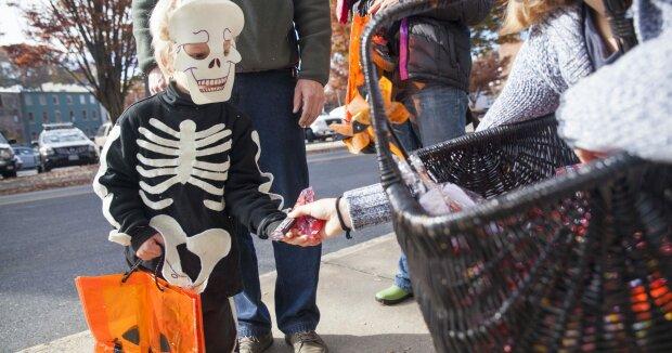 Погода на початок тижня: Хеллоуїн організує в Україні осінній маскарад
