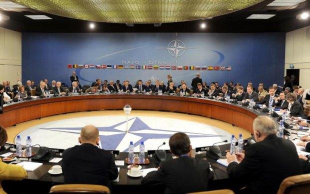 В НАТО назвали причину усиления восточных границ