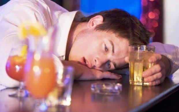 Перша допомога при отруєнні алкоголем