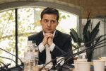 Вперше рейтинг Зеленського пішов на зниження: соцопитування показало, хто з політиків у ТОПі