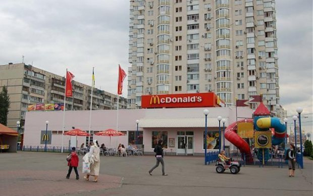 Киевлянин поплатился жизнью за курение в общественном месте