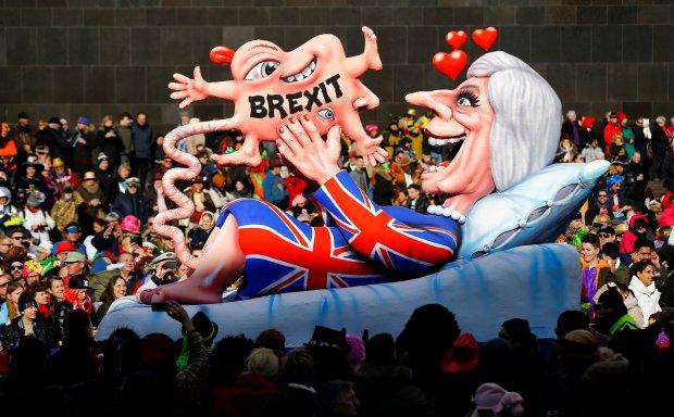 Повернемося назад: Тереза Мей приголомшила світ новою одержимістю, британський парламент відмовляється голосувати