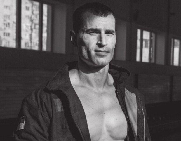 """""""Они спасают жизни"""": украинские огнеборцы подорвали сеть горячим календарем на 2020 год"""