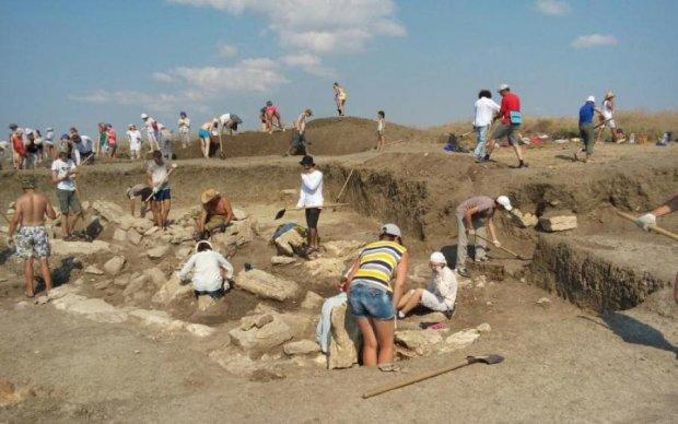 У пошуках скарбів: археологи почали копати Крим з усіх боків