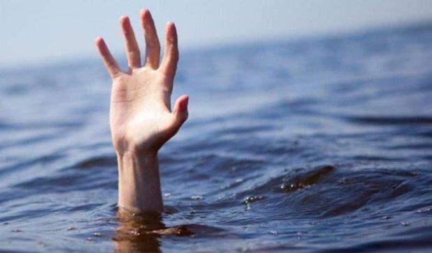Выпускник утонул в озере на Тернопольщине