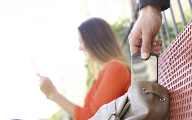 Сучасні технології! Крадій смартфона випадково прославив себе у мережі