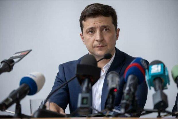 У Зеленського пояснили, коли депутатів виганятимуть з Ради: прогули чи виїзд за кордон
