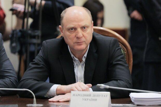 """народний депутат від """"Опозиційної платформи - за життя"""" Анатолій Бурмич"""