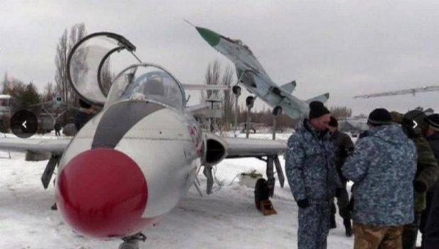 Сепаратисты собирают аэрофлот из музейных экспонатов и учебных самолетов
