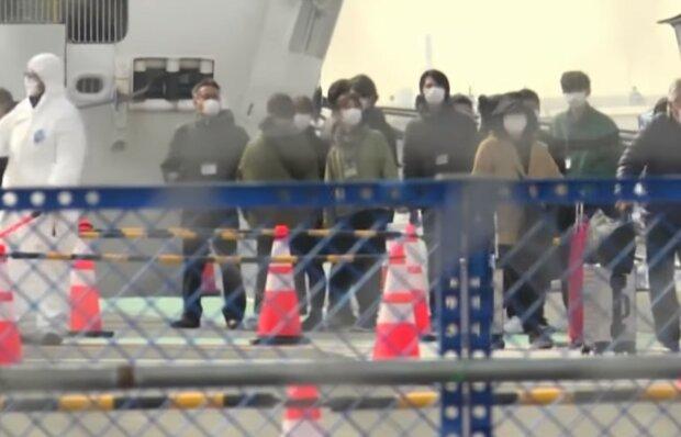 Пасажири Diamond Princess, фото: скрін з YouTube