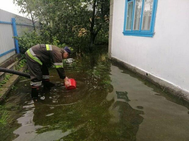 Западную Украину накрыла вторая волна водного Апокалипсиса, есть жертвы
