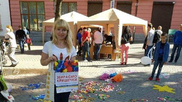Волонтерка з Франківська оплатила десятки операцій пораненим героям - допомогли пластикові кришечки