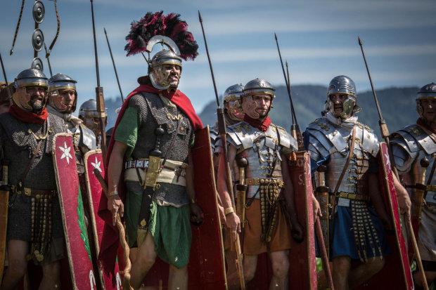 Диеты, сухпайки и немного вина: каким был рацион римского воина