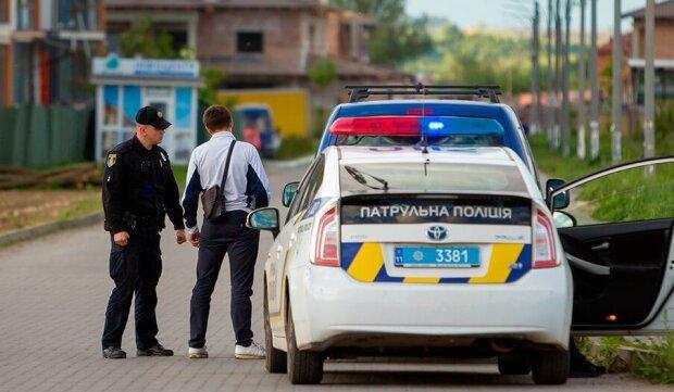"""Украинцев начали штрафовать за перевозку детей: можно ли законно """"забить"""" на автокресло"""