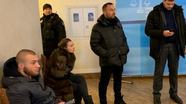 Вячеслав Соболев с женой в зале суда, фото: Униан