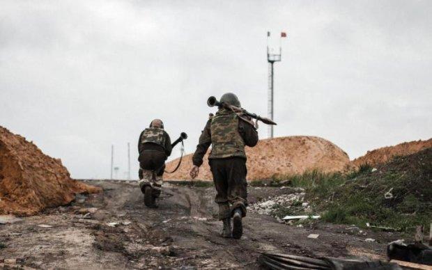 Відключили зв'язок та інтернет: у Донецьку назріває щось страшне