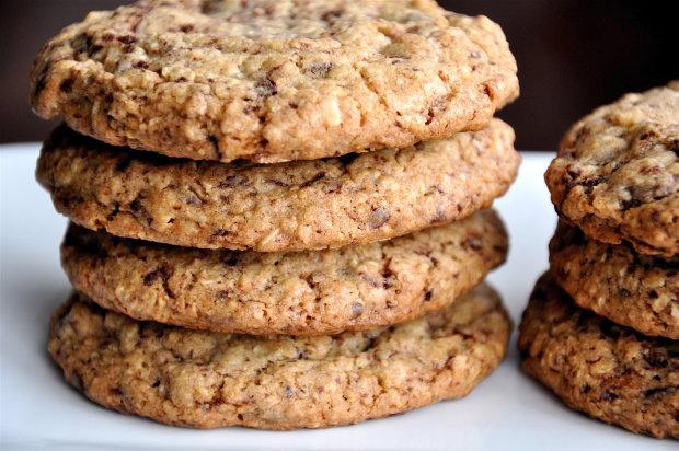 Овсяное печенье с изюмом и яблоком: рецепт на все случаи жизни