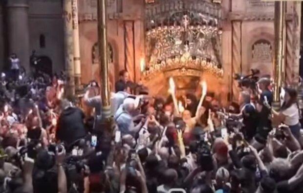 Сходження Благодатного вогню, скріншот з відео