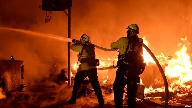В жутком пожаре на Харьковщине двое сгорели заживо
