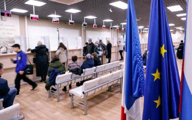 Платный безвиз: что нужно знать украинцам о новых правилах Шенгена
