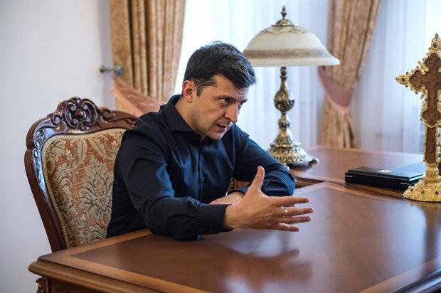 """Головне за ніч: """"перша"""" людина Зеленського, вибух у Приватбанку та атака на Житомирщині"""