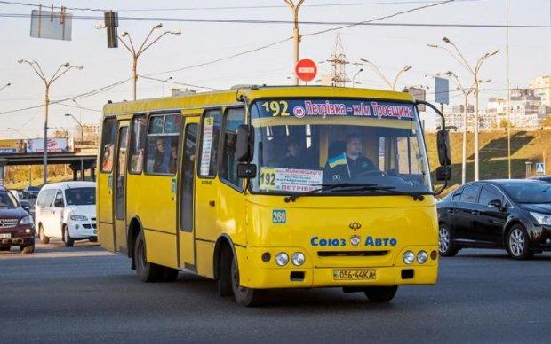 Криваве ДТП з київськими маршрутками: що відомо про винуватця-втікача