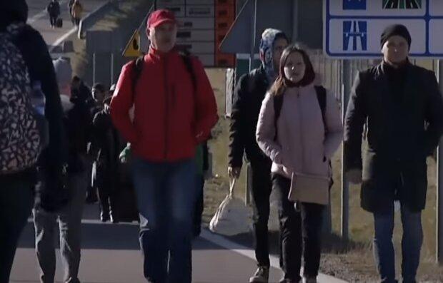 Украинцы после карантина ринулись в Польшу и застряли на границе, - пункты пропуска не справляются