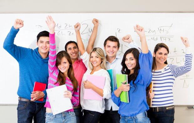 Международный день студента 2020: поздравления в СМС сообщениях