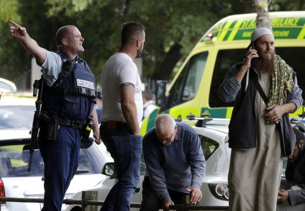 Кровавая бойня в мечети Новой Зеландии: киллер оказался фанатом Путина