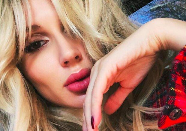 """""""Как Филипп Киркоров!"""": Светлана Лобода огорошила новогодним нарядом"""