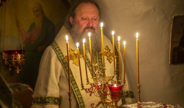 Священник, фото: Києво-Печерська лавра